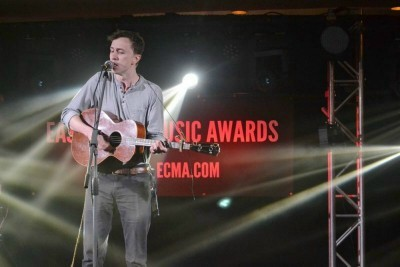 ASDylanMenziePerformsatECMA2017Industrywards.jpg